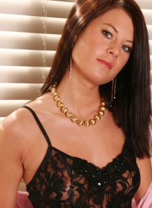 Sexy Teen Hannah Shows Off Her Perfect Body In A Sexy Little Black Lace Outfit - Picture 2