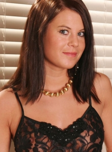 Sexy Teen Hannah Shows Off Her Perfect Body In A Sexy Little Black Lace Outfit - Picture 10